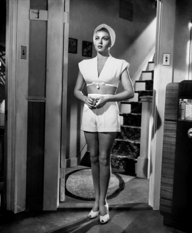 09-lana-turner-the-postman